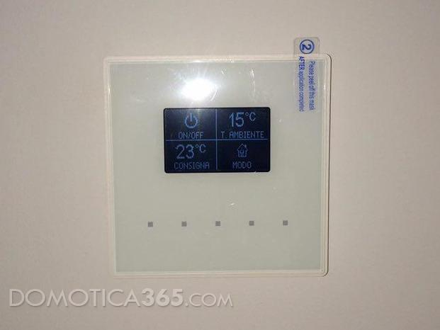 Termostato KNX Zennio con display